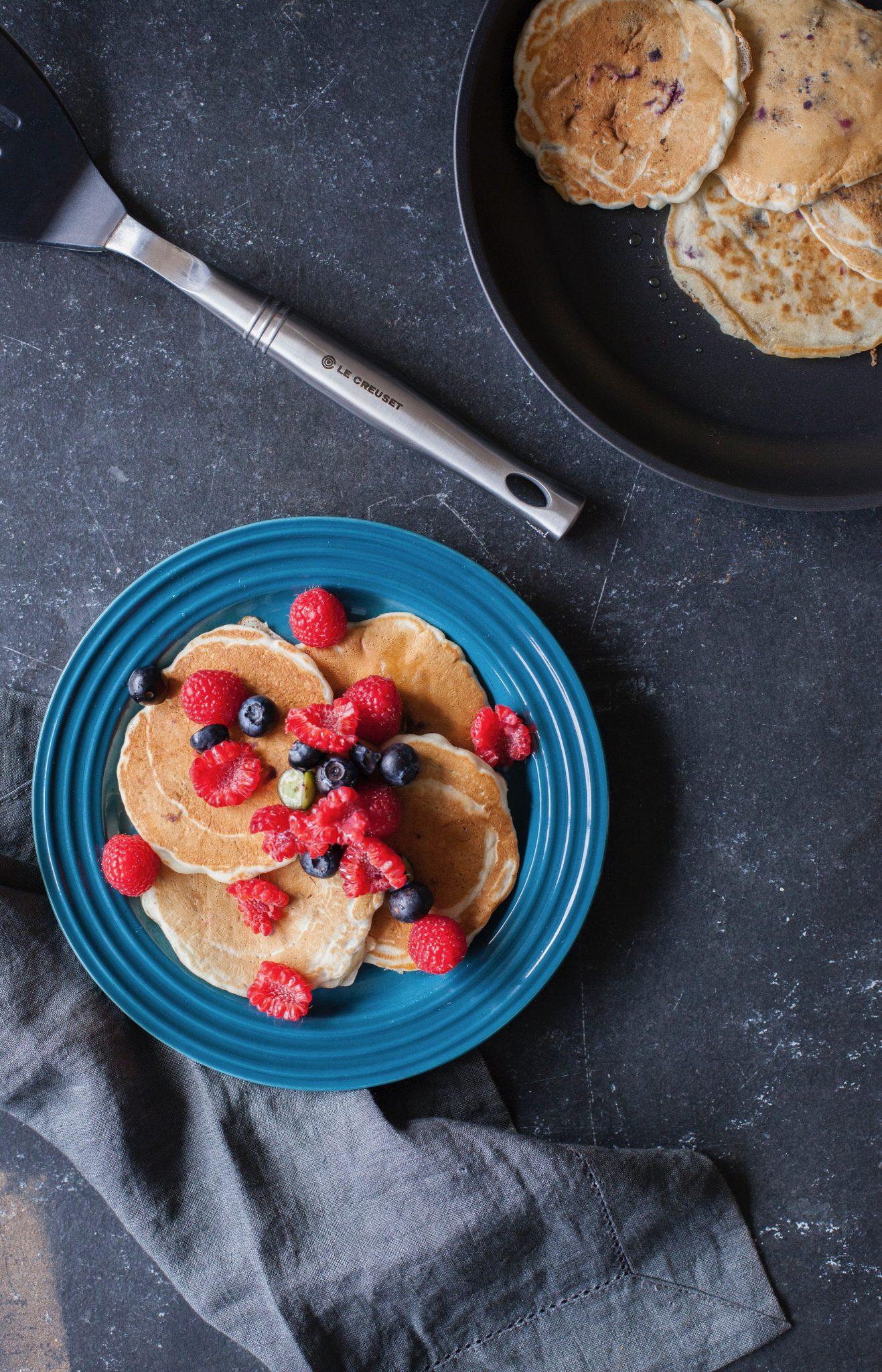 Pancakes de chía con arándanos