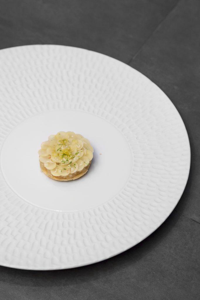 Plateselector - Tarta de raíz de perifollo con lima del restaurante Gaytan de Madrid