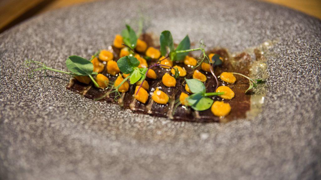 Plateselector - Carpaccio de Picana Madurada con Cremoso de Boniato del Restaurante Mood Food de Valencia