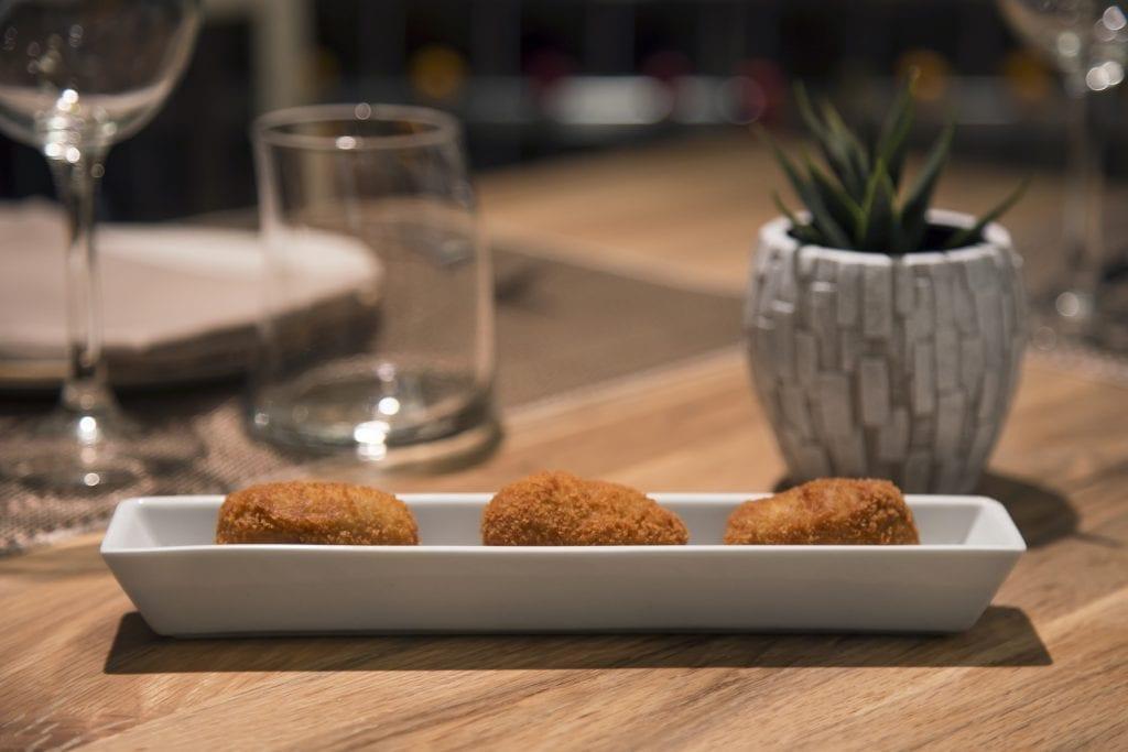 Plateselector - Croquetas del Restaurante Gallinas y Focas de Madrid