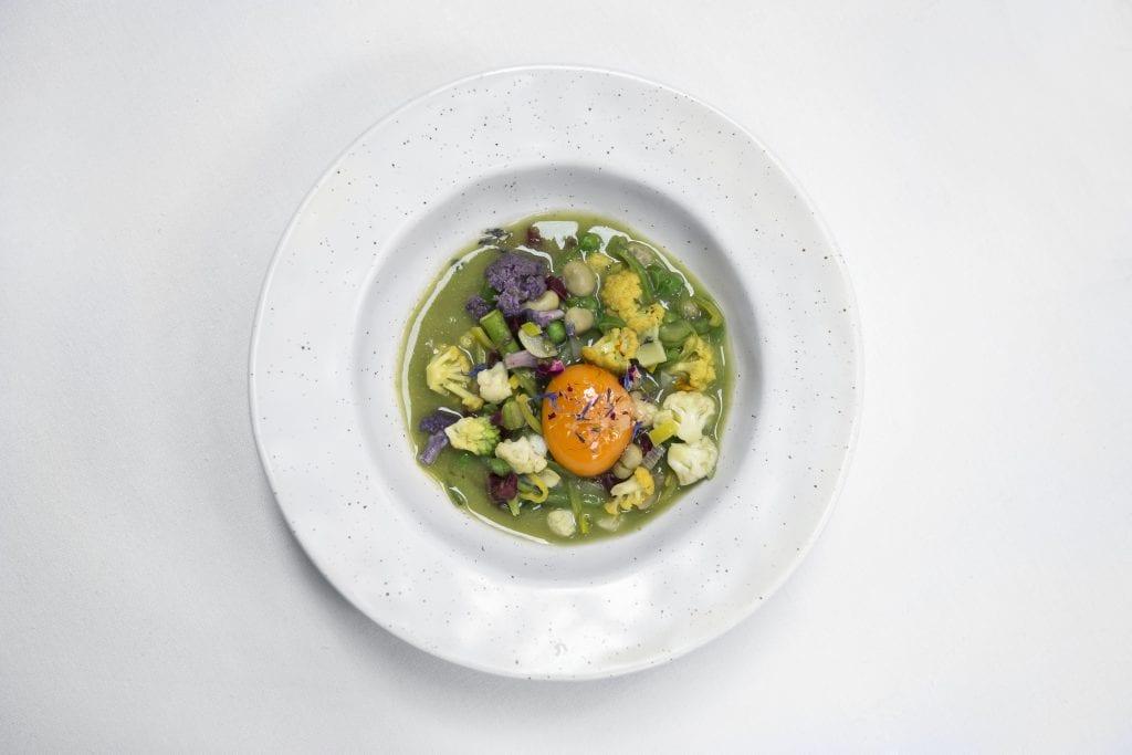 Plateselector - Panache de verduras con yema del Restaurante Ovillo de Madrid