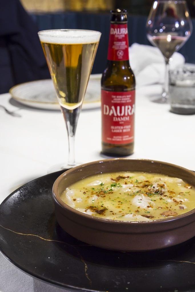 Plateselector - Kokotxas de bacalao en cazuela del Restaurante Nebak de Madrid
